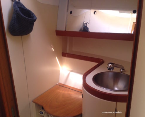 interni barca a vela bagno
