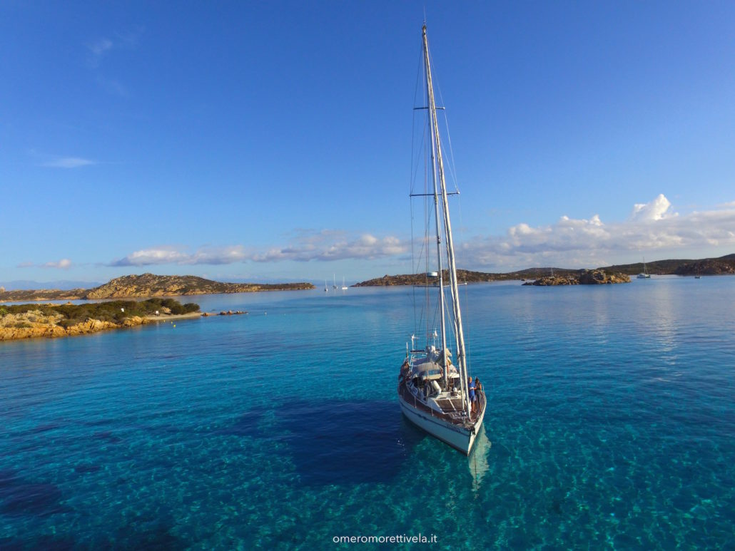 vacanze in barca a vela in Sardegna e Corsica Budelli barca a vela Freya