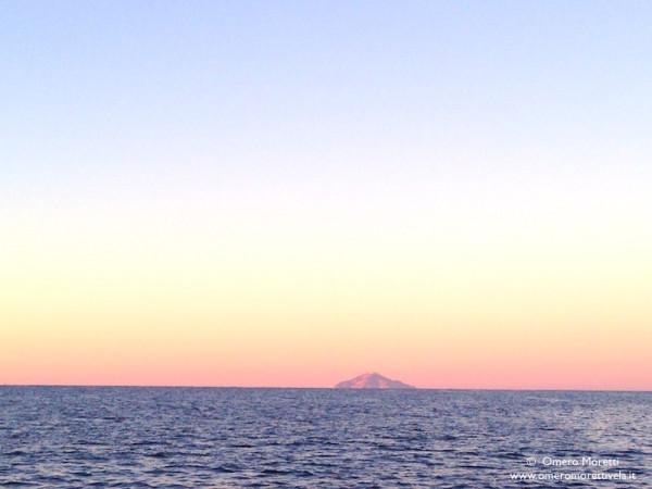 alba in navigazione d'altura toscana sardegna