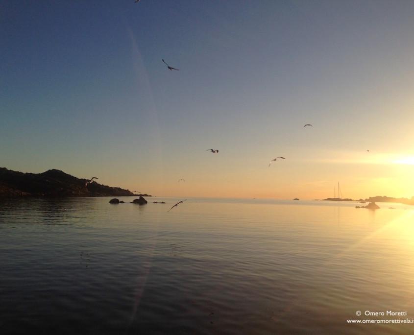 tramonto a poppa barca a vela
