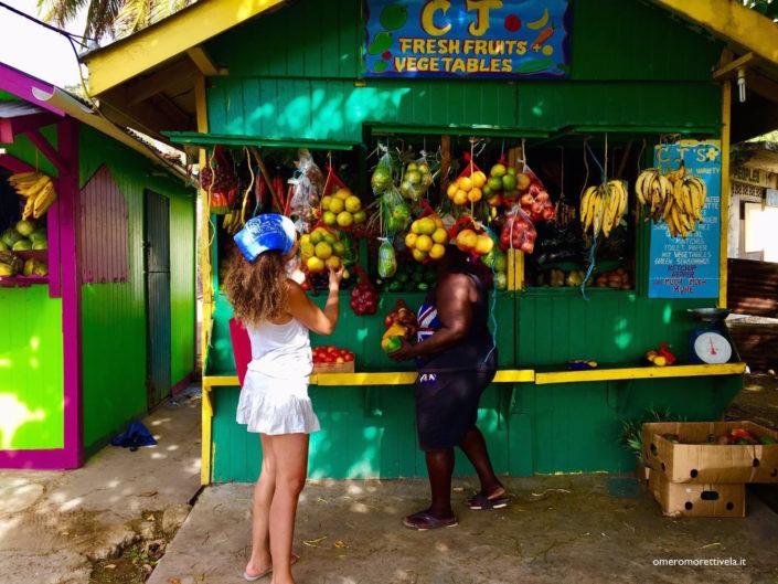crociere alle grenadine mercato della frutta