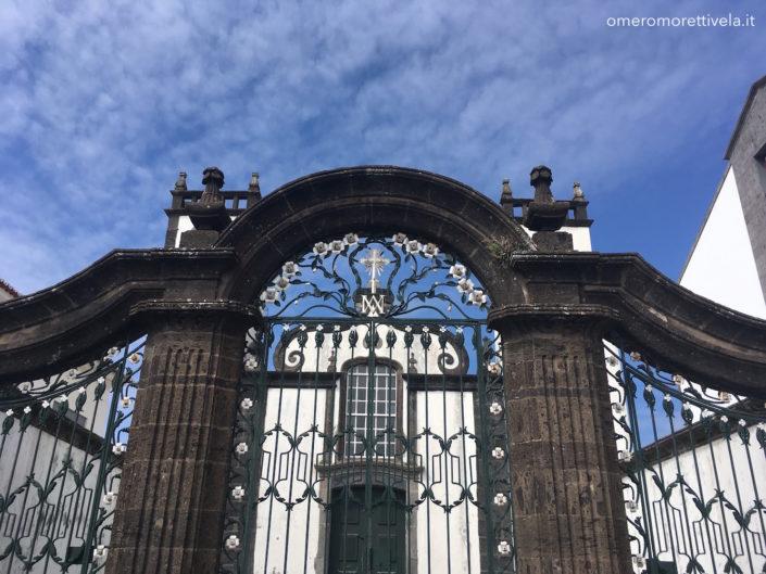 Sao Miguel Ponta Delgada cancello e cielo