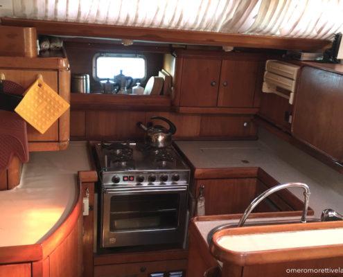 Freya barca a vela interni - Cucina