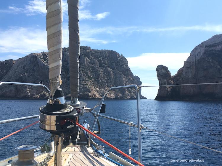 itinerario a vela da Palau ad Alghero Foradada dalla barca