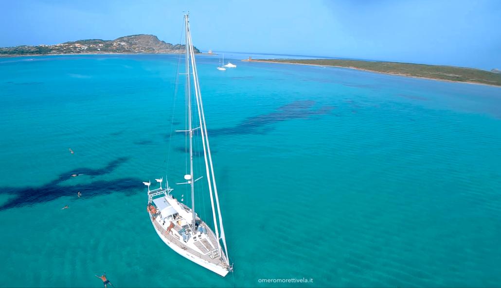 vacanze in barca a vela Sardegna barca in rada