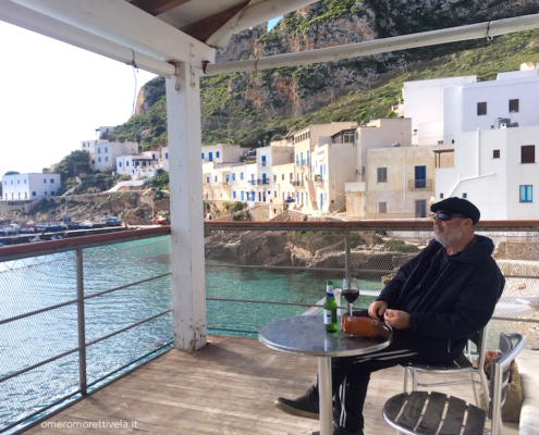 week end in barca a vela isole egadi aperitivo in terrazza