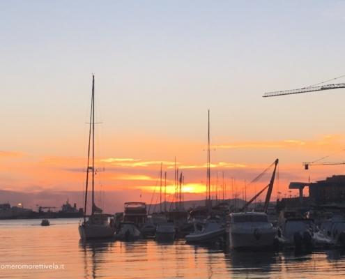 Sicilia in barca a vela tramonto dal cantiere