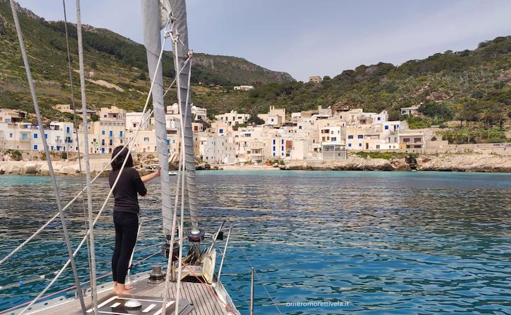 Egadi in barca a vela levanzo paese vacanze in barca a vela con skipper e hostess