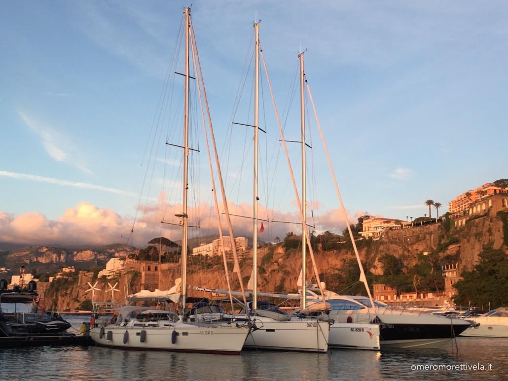 golfo di napoli in barca a vela sorrento